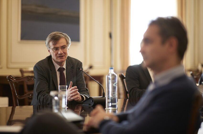 """Γιατί η Καθημερινή """"μάζεψε"""" το σχόλιο για τις διαφωνίες Τσιόδρα με την κυβέρνηση"""