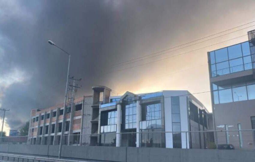 Μεγάλη πυρκαγιά σε εργοστάσιο πλαστικών στην Μεταμόρφωση Αττικής-Κλειστή η Αθηνών-Λαμίας