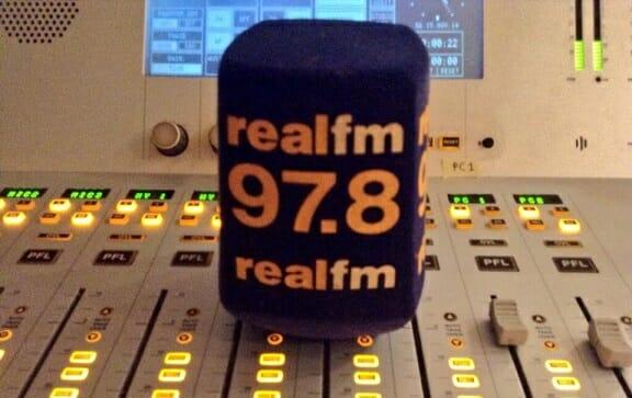 Το νέο πρόγραμμα του Realfm- Κοτρώτσος- Αμυράς το νέο δίδυμο του Σαββατοκύριακου