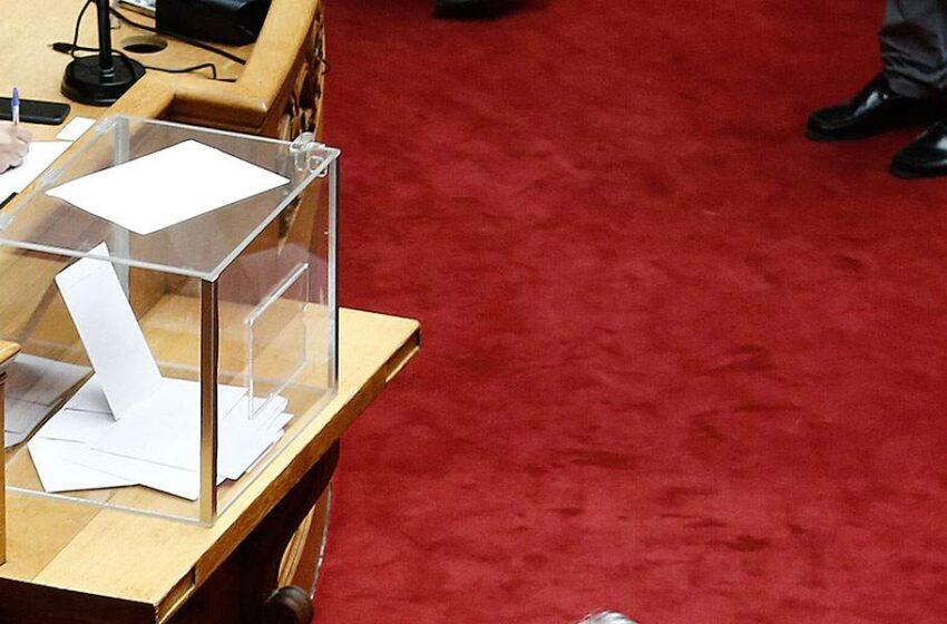 """Δοκιμασία για Ν.Δ και ΣΥΡΙΖΑ η ψηφοφορία για την Ελληνοαιγυπτιακή συμφωνία- Μεταξύ Σαμαρά και """"53"""" τα δύο κόμματα"""