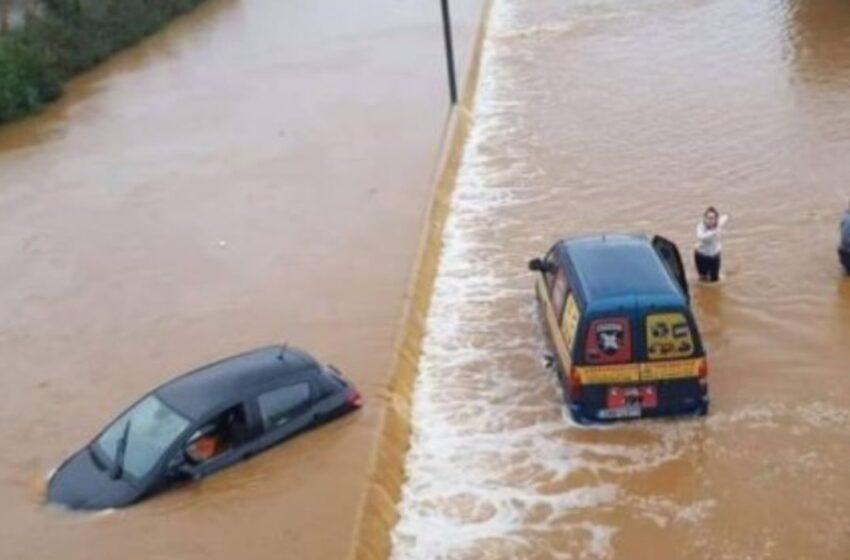 Βίντεο από την τραγωδία στην Εύβοια – Ενάμιση μέτρο το νερό, κάτοικοι σε απόγνωση (vid)