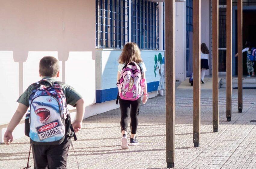 Μάσκες στα σχολεία: Δεν βγαίνει ο λογαριασμός ή…