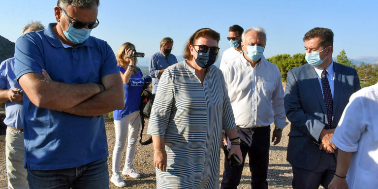 Μενδώνη στις Μυκήνες: Το πολύ πολύ οι επισκέπτες θα βλέπουν λίγο μαύρο και καμένα χόρτα… (vid)