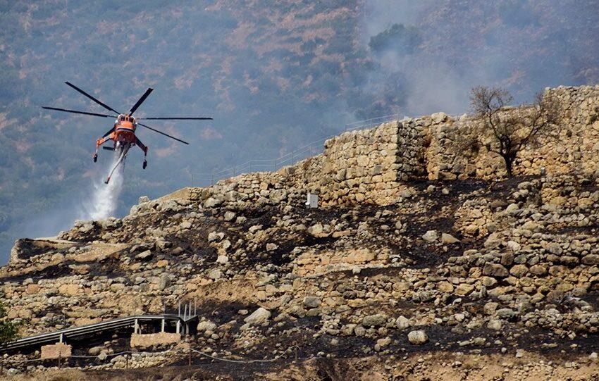 Πυρκαγιά στις Μυκήνες : Έκαψε και τον αρχαιολογικό χώρο- Η φωτιά πέρασε δίπλα στον τάφο του Αγαμέμνονα!