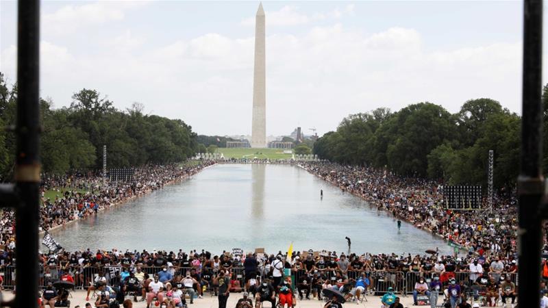 Ουάσιγκτον: Χιλιάδες διαδήλωσαν κατά του ρατσισμού στην 57η επέτειο της ομιλίας του Μάρτιν Λούθερ Κινγκ (vid)