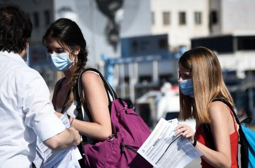 SOS από Δερμιτζάκη: Ο ιός χτυπάει όλο και περισσότερο τους νέους – Διαφώνησε με Μαγιορκίνη για τους ασυμπτωματικούς