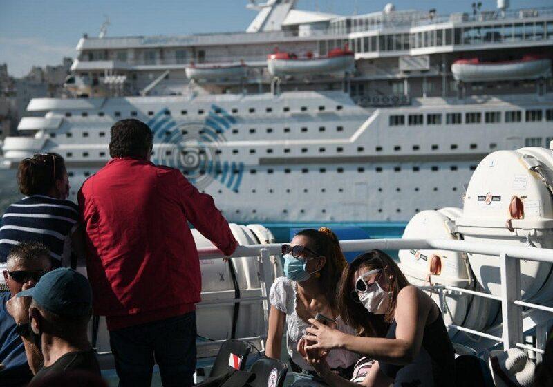 Πέτσας: Χρήση μάσκας και στους εξωτερικούς χώρους των πλοίων