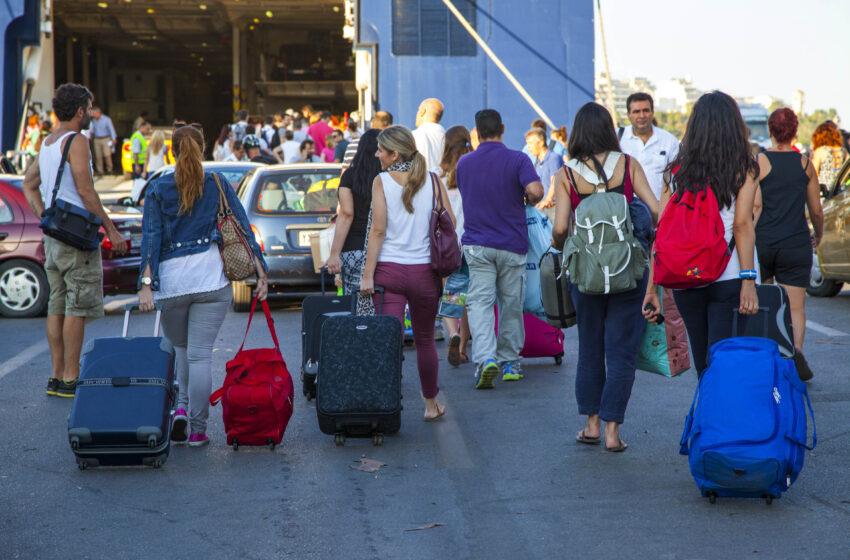 Κοροναϊό: 24χρονη ταξίδεψε στη μισή Ελλάδα ενώ είχε βρεθεί θετική στον ιό