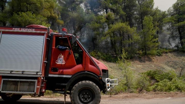 Καλύτερη εικόνα παρουσιάζει η φωτιά στην περιοχή Θυρίου Αιτωλοακαρνανίας