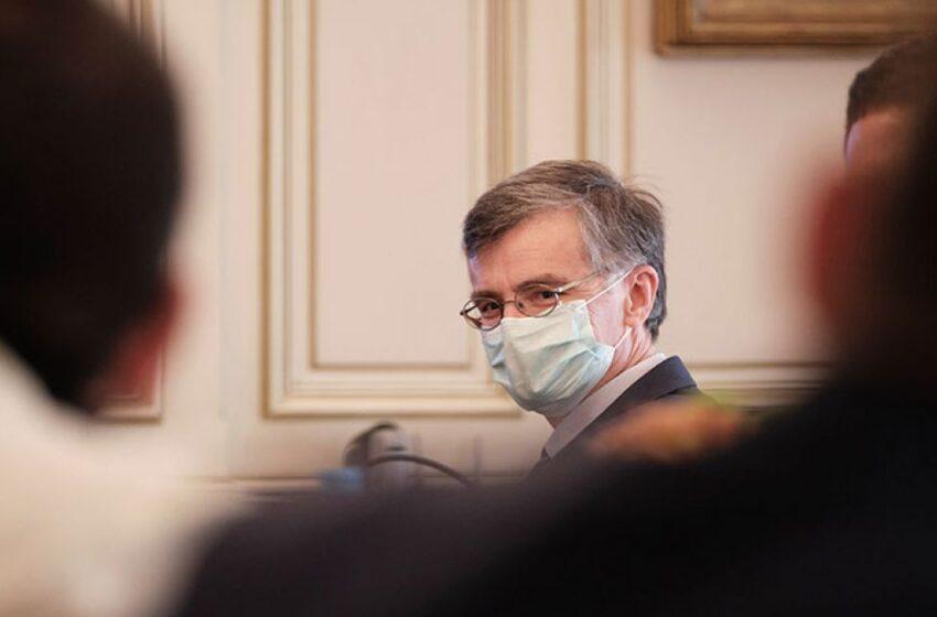 """Πανδημία: Οι """"ρωγμές"""" στις σχέσεις Τσιόδρα-Μαξίμου και η δυσφορία των επιστημόνων για τους κυβερνητικούς χειρισμούς"""