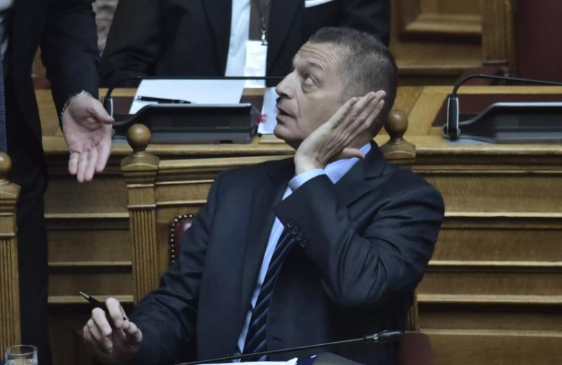 Πολιτική θύελλα: Ο πρωθυπουργός στέλνει αντιπρόσωπο στη γιορτή του μίσους – Γιατί διαχώρισε τη θέση του ο Δένδιας