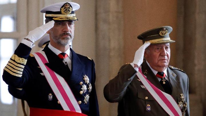 Φεύγει από την Ισπανία ο τέως βασιλιάς Χουάν Κάρλος – Ερευνάται για διαφθορά