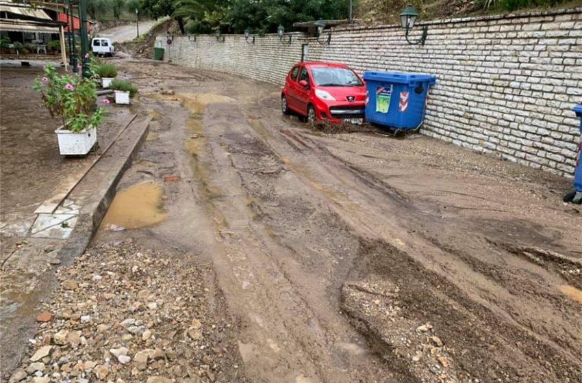 Αγρίνιο: Έντονες βροχοπτώσεις, πλημμύρισαν σπίτια και καταστήματα