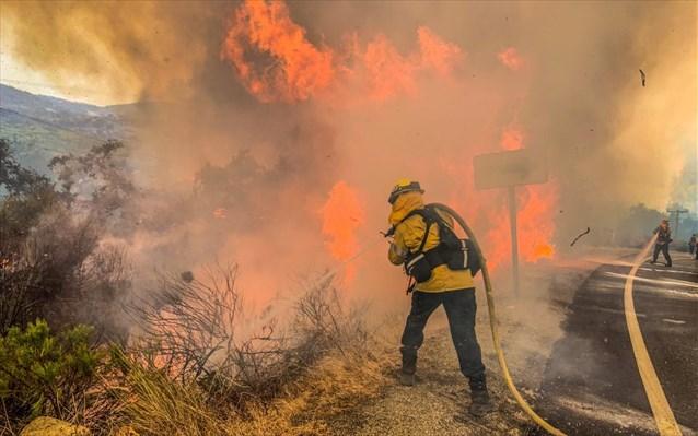 Πυρκαγιές – ΗΠΑ: Δεκάδες άνθρωποι αγνοούνται στο Όρεγκον – Μεταβαίνει ο Ν. Τράμπ