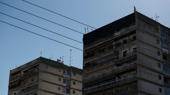 Λαγκαδάς: Κατέβηκε από την ταράτσα 12όροφης οικοδομής  ο άνδρας που απειλούσε να αυτοκτονήσει
