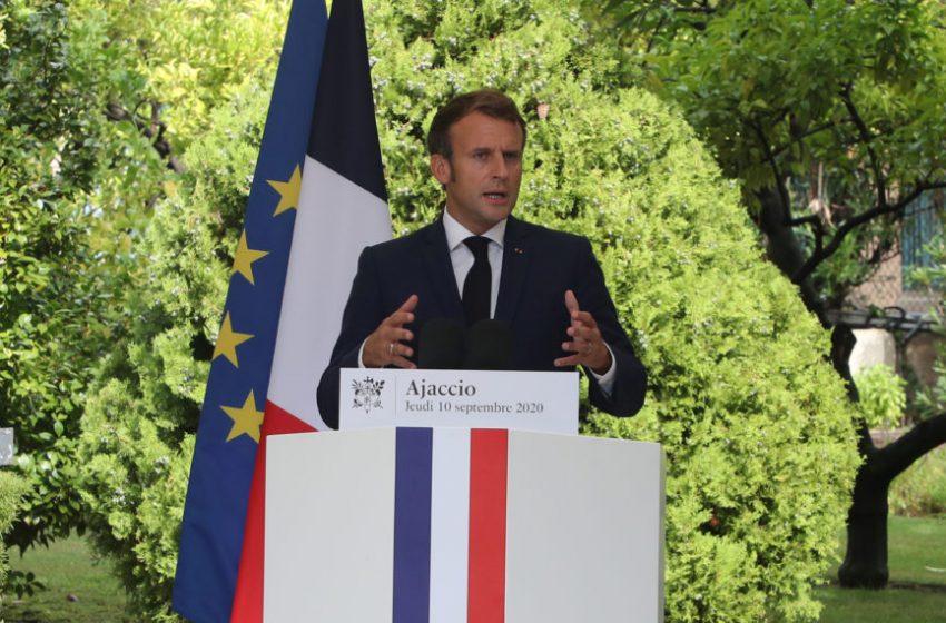 Γαλλία – Σάλος για τη διαρροή του κωδικού εμβολιασμού του Εμανουέλ Μακρόν