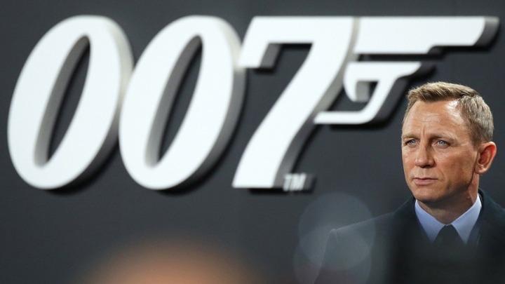Το νέο τρέιλερ του Τζέιμς Μποντ με την Λασάνα Λιντς στο ρόλο του 007 (vid)