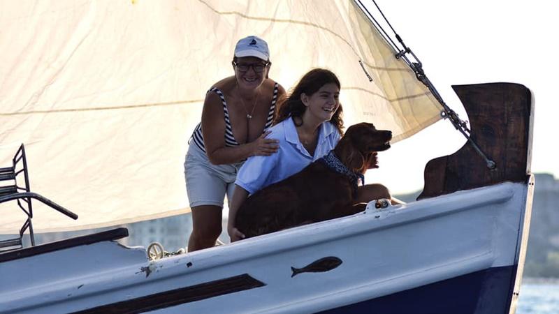 Σκάφη με… κυβερνήτες σκύλους άνοιξαν πανιά στην Κέρκυρα (εικόνες)
