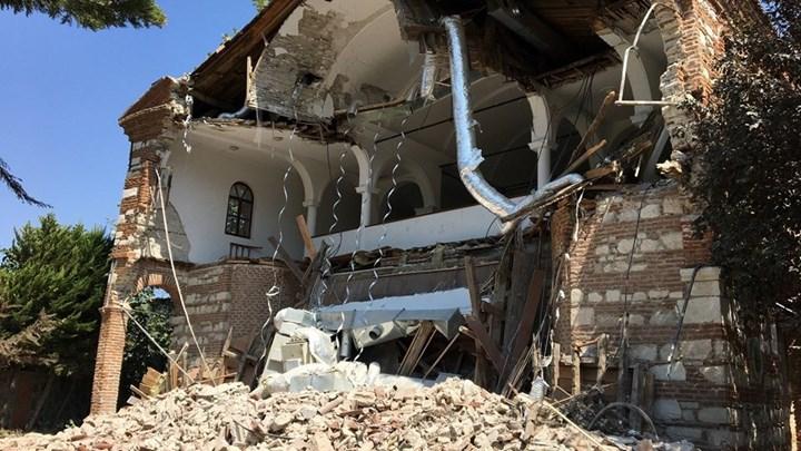 """Ασταμάτητοι οι Τούρκοι: Κατεδάφισαν την """"Αγία Σοφία της Προύσας"""" (εικόνες-vid)"""