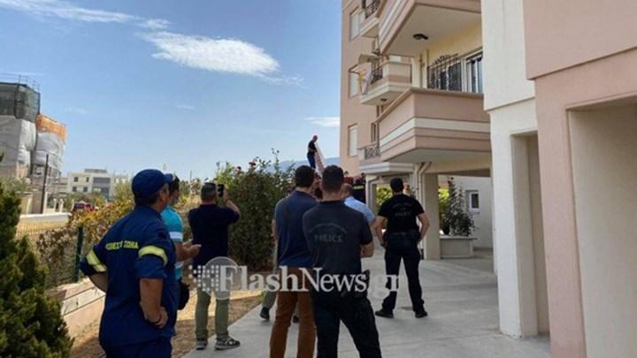 Χανιά: Κλειδώθηκε σπίτι με την κόρη της και απειλεί να βάλει φωτιά (εικόνες)