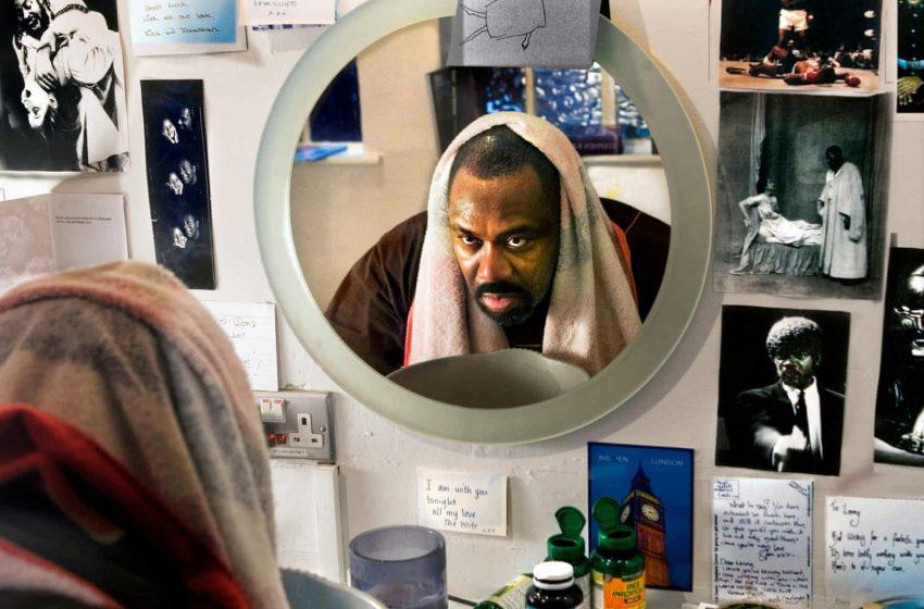 """""""Χτύπα πριν μπεις""""- Ο διάσημος θεατρικός φωτογράφος Σ.Ανάντ """"συλλαμβάνει"""" γνωστούς ηθοποιούς στα καμαρίνια…"""