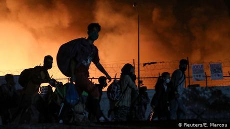 Γερμανικός Τύπος: Μόρια, το σύμβολο αποτυχίας της Ευρώπης- Οι φλόγες έφτασαν στο Βερολίνο