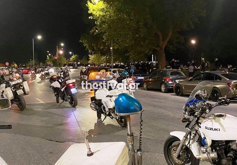 Θεσσαλονίκη: Αντιεξουσιαστές επιτέθηκαν με ρόπαλα σε αστυνομικούς – 51 συλλήψεις και 3 τραυματίες