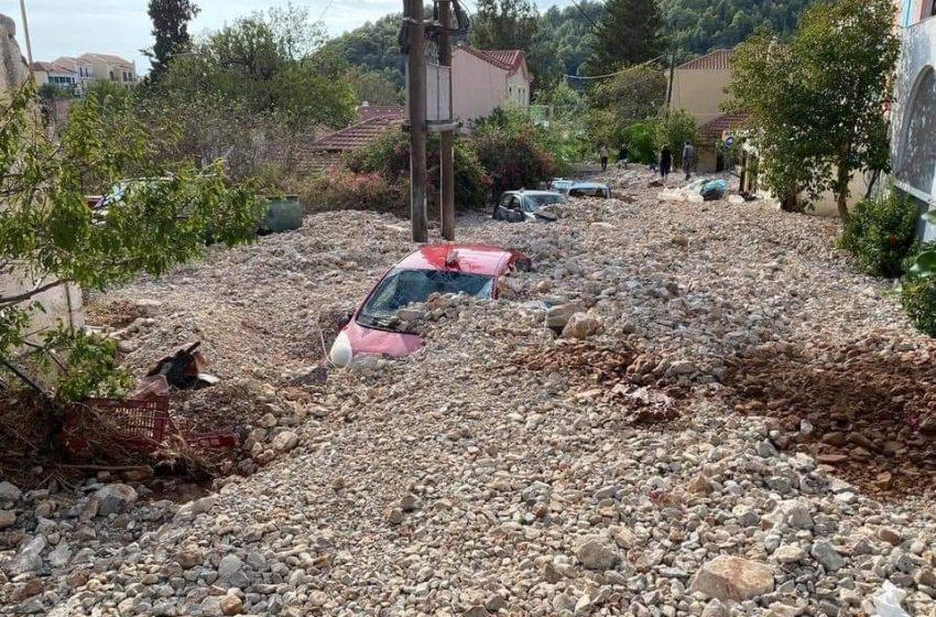 Θάφτηκε η όμορφη Άσσος σε πέτρες και λάσπη – Εικόνες σοκ (vid)
