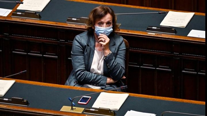 Η υφυπουργός Υγείας της Ιταλίας ζητά τη διακοπή του πρωταθλήματος
