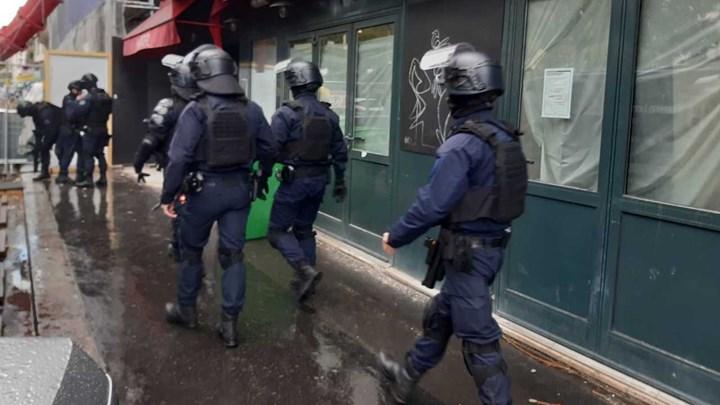 Charlie Hebdo: Συνελήφθη ύποπτος με αίμα στα ρούχα του – Τέσσερις οι τραυματίες