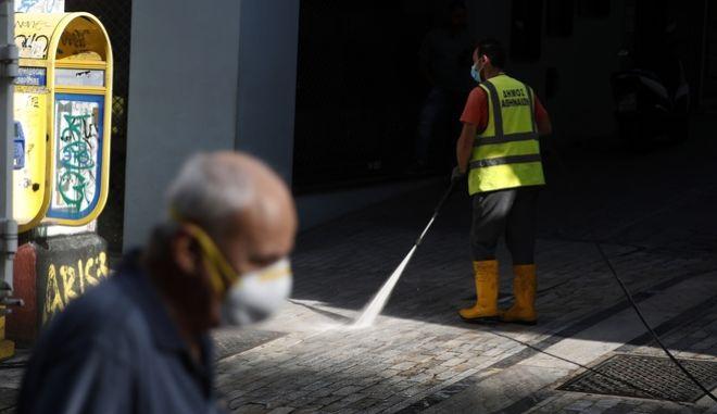 Πανδημία: 315 τα νέα κρούσματα στην Ελλάδα -165 στην Αττική