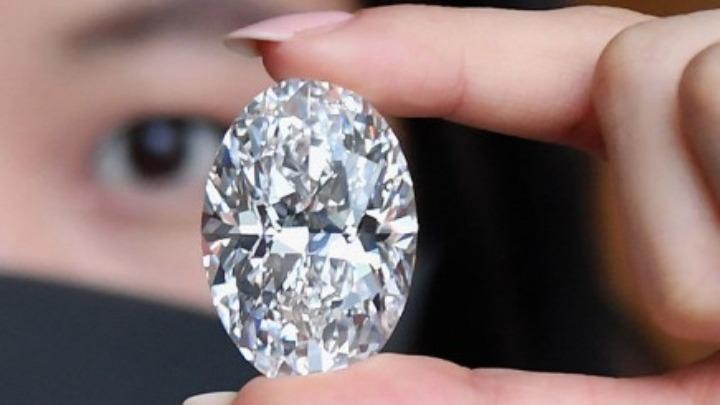 Διαμάντι 102 καρατίων πιθανόν να πιάσει 25 εκατ. ευρώ σε δημοπρασία