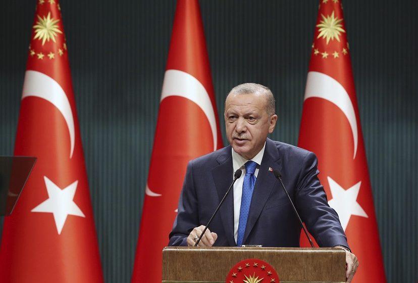 Ο Ερντογάν ανακοίνωσε τον θάνατο υψηλόβαθμου Κούρδου στρατιωτικού ηγέτη στον βομβαρδισμό του προσφυγικού καταυλισμού