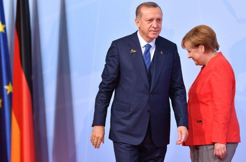 Bloomberg: Ο ρόλος της Μέρκελ στην ελληνοτουρκική κρίση