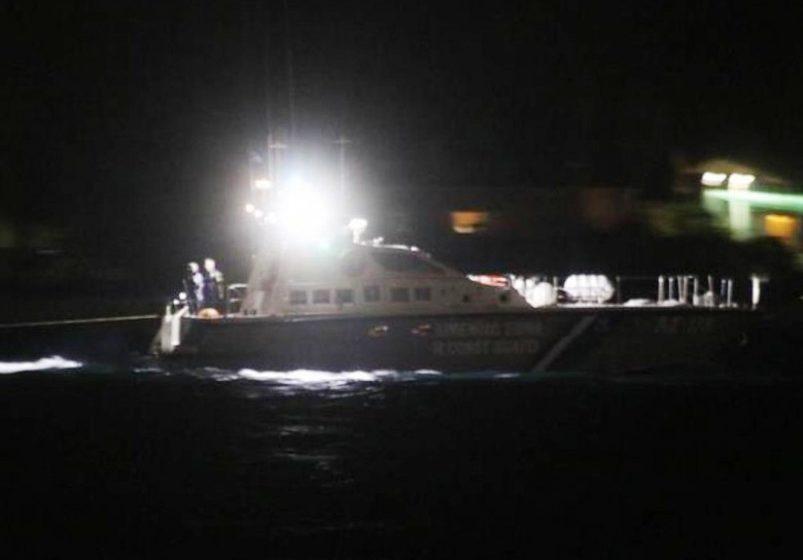 Συναγερμός στην Λέσβο από την κακοκαιρία:  Ανετράπη αλιευτική λέμβος – Θρίλερ για την διάσωση τριών ατόμων