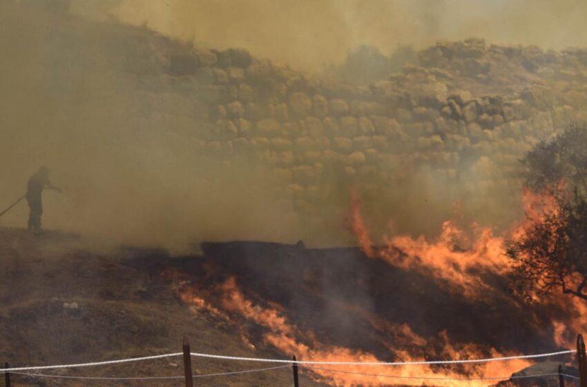 """Μυκήνες – Κρίσιμα ερωτήματα: Το libre μίλησε με κατοίκους και πυροσβέστες – """"Είμαστε τυχεροί που δεν υπήρχαν πούλμαν"""""""