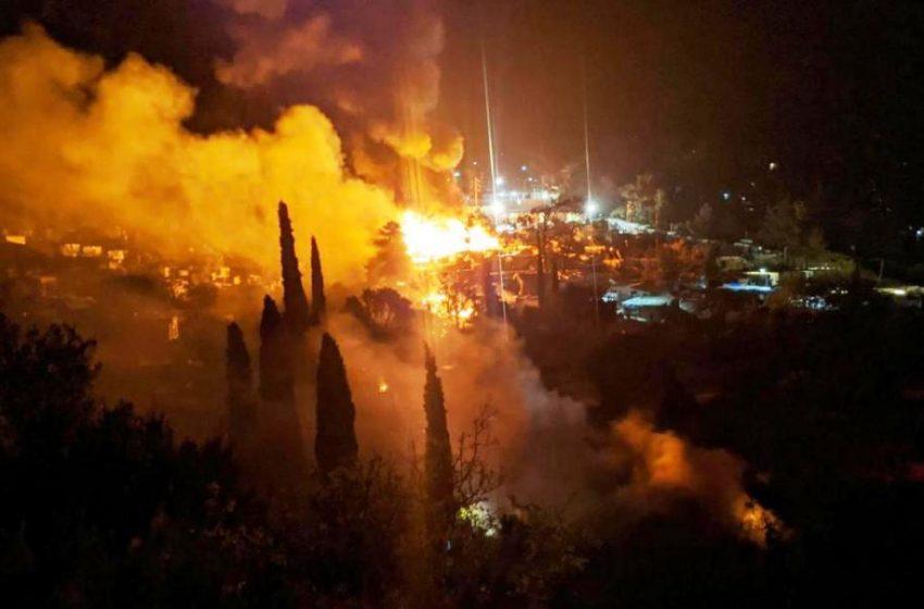 Συναγερμός στη Σάμο για νέα φωτιά στο ΚΥΤ (vid)