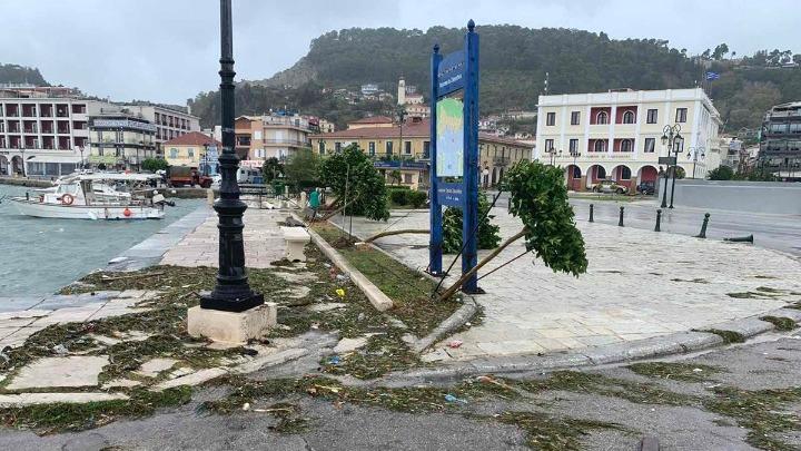 """""""Γκρέμισε"""" κεντρική και δυτική Ελλάδα ο """"Ιανός"""" – Ζημιές σε 3.000 κτίρια"""
