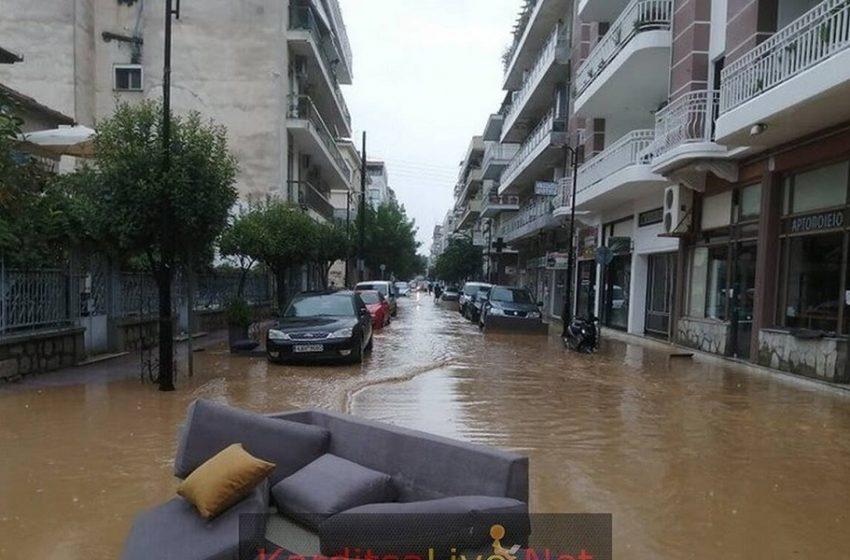 Επίσκεψη Μητσοτάκη στις πληγείσες περιοχές στην Καρδίτσα – Αιχμές  Δημάρχου: Φοβάμαι ότι θα μείνουμε μόνοι