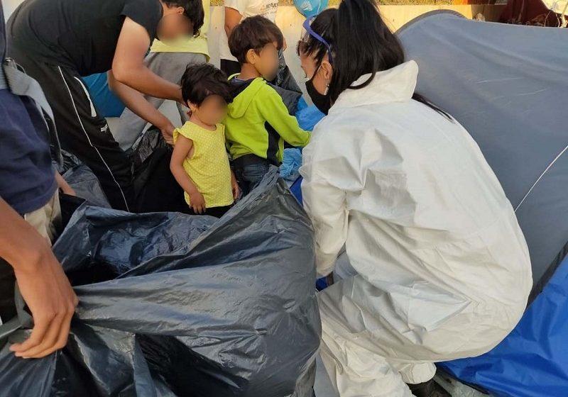 Λέσβος: Αστυνομική επιχείρηση για τη μεταφορά των προσφύγων στο Καρά Τεπέ