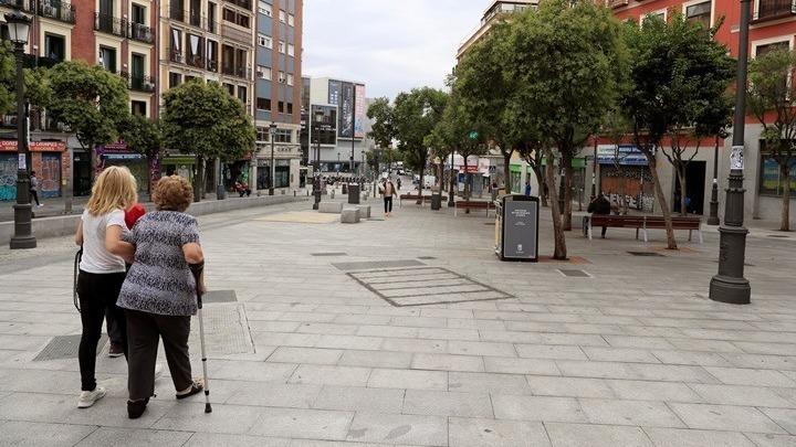 """Νέα μέτρα στη Μαδρίτη – Απαγορεύεται να """"βγουν"""" από τη συνοικία τους"""