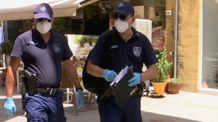 Κάποιοι δεν βάζουν μυαλό: Τρεις συλλήψεις, 8 παραβάσεις καταστημάτων και 148 για μη χρήση μάσκας