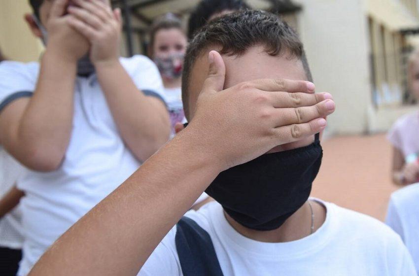 Νέα γκάφα με τις μάσκες: Έστειλαν πάλι λάθος διαστάσεις για τη δεύτερη παρτίδα (vid)