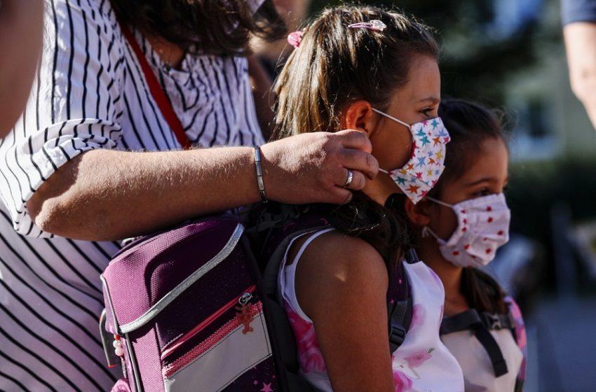 """Ελληνική Παιδοπνευμονολογική Εταιρεία: Οι επιστήμονες απαντούν στους """"μασκομάχους"""""""