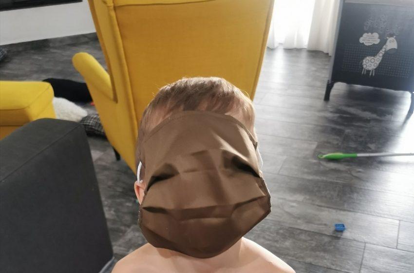 """Ποιος επιχειρηματίας έφτιαξε τις μάσκες """"μαμούθ"""""""