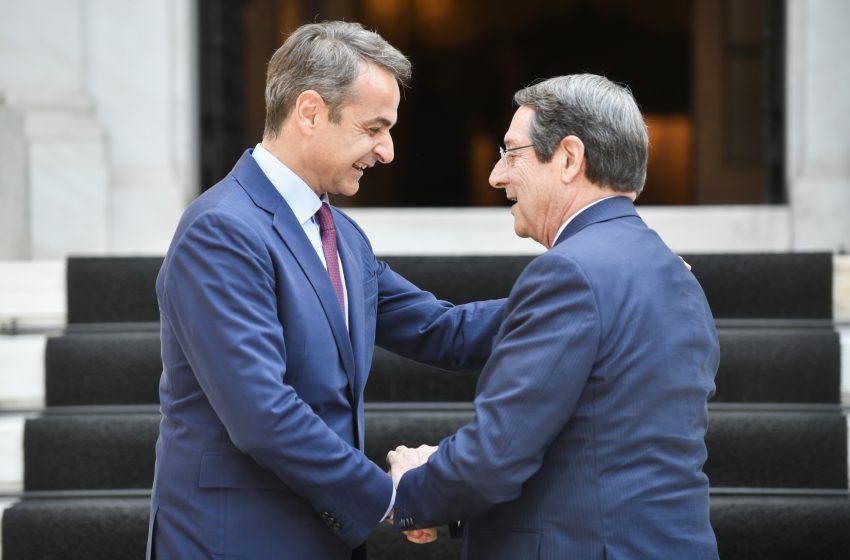Editorial: Δεν πρέπει να αφήσουμε μόνη την Κύπρο…