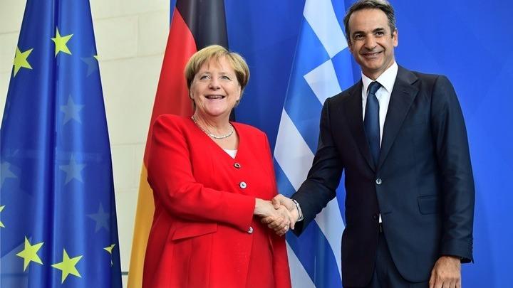 Τηλεφωνική επικοινωνία Μητσοτάκη-Μέρκελ για το προσφυγικό και τις εξελίξεις στη Μεσόγειο