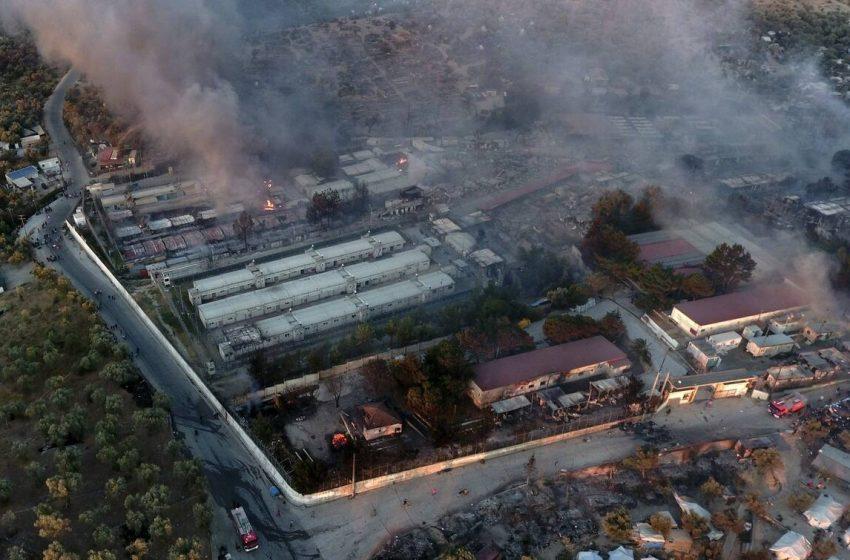 Καταστροφή στη Μόρια:Σε κατάσταση έκτακτης ανάγκης το νησί- Σε απόγνωση χιλιάδες άνθρωποι (εικόνες, vid)