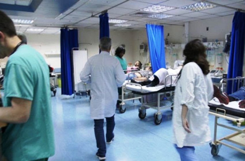 ΠΟΕΔΗΝ: Αδειάζουν κρεβάτια σε κλίνες Covid – Γεμίζουν ράντζα οι παθολογικές κλινικές