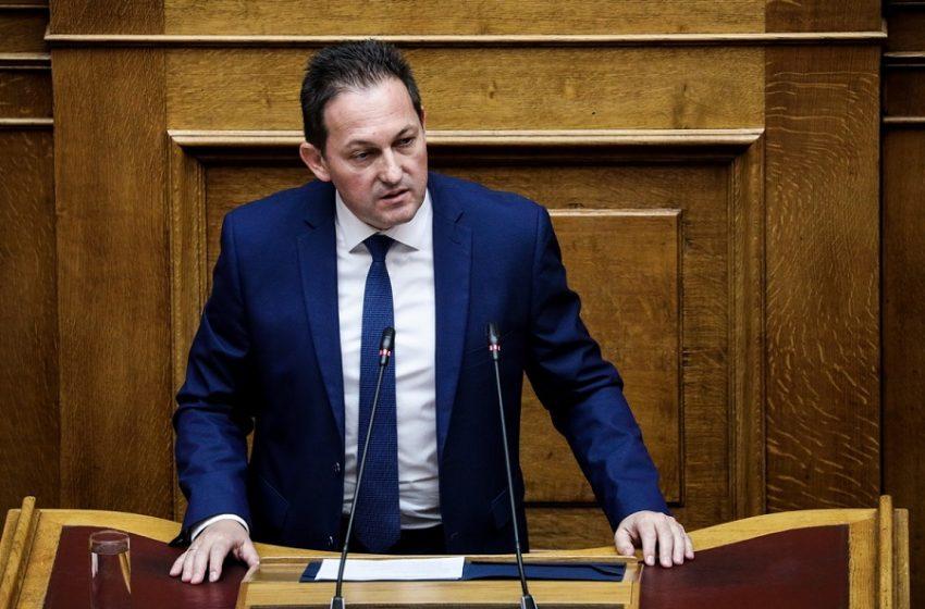 Πέτσας: Βάλατε τα φερέφωνα του ΣΥΡΙΖΑ να κάνουν τους αγανακτισμένους στην Καρδίτσα- Σάλος στη Βουλή